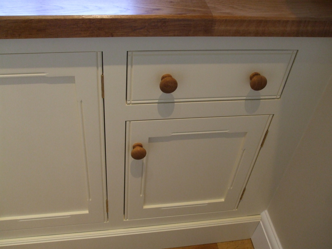 Utility kitchen gallery in painted mdf. - Thorne Woodworking